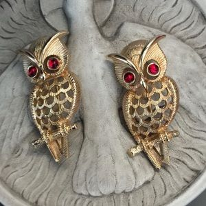 Vintage Avon Owl Brooch Set of 2